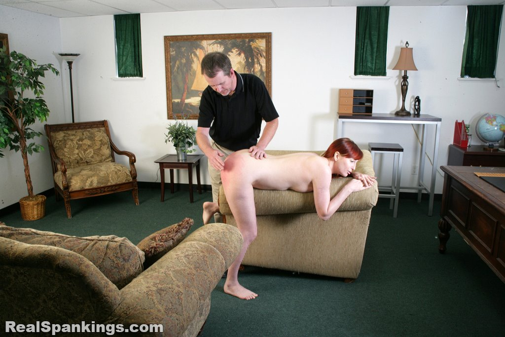 Real Spankings - Alyssas Fully Nude Straddled Hand -8754