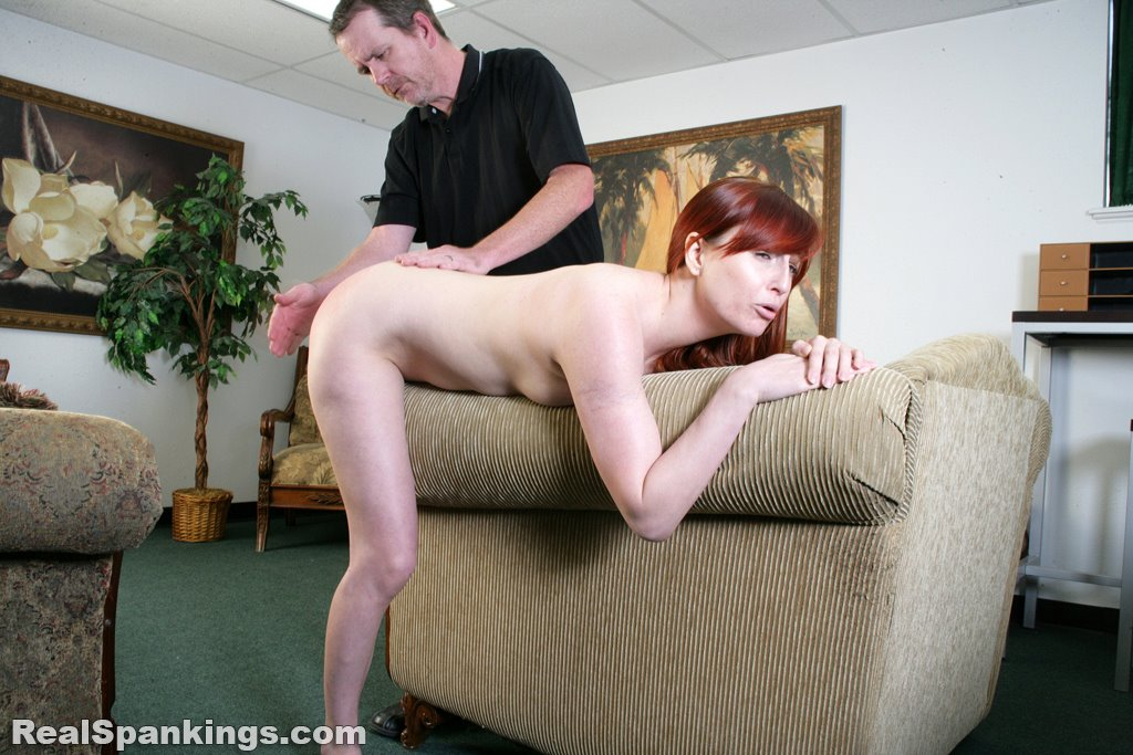 Real Spankings - Alyssas Fully Nude Straddled Hand -2521