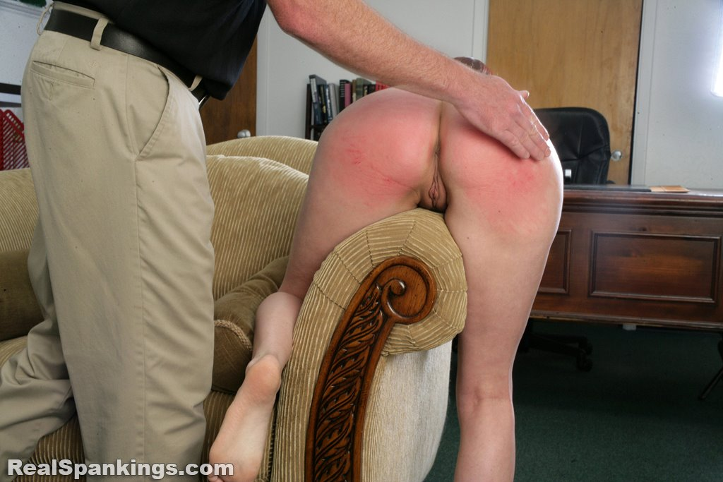 Real Spankings - Alyssas Fully Nude Straddled Hand -5028