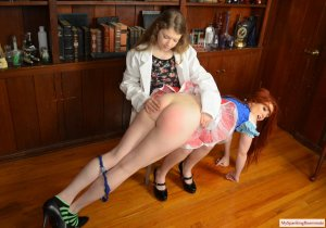 My Spanking Roommate - Apricot's Spanking Lab - image 3