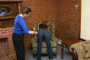 Real Spankings - Amy's Strapping - image 4