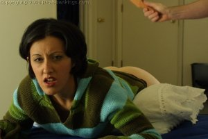 Real Spankings - Tess' Strapping - image 15