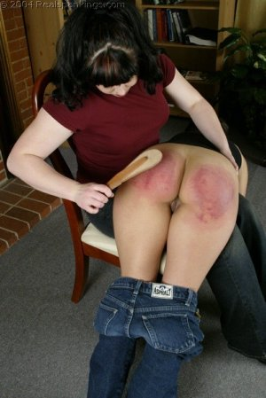 Real Spankings - Cindy's Spanking Test - image 9