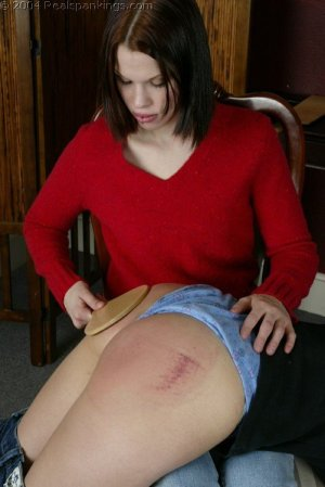 Real Spankings - Kailee Spanks Cindy - image 9