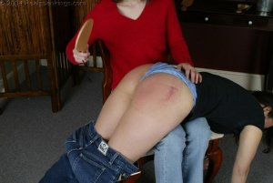 Real Spankings - Kailee Spanks Cindy - image 12