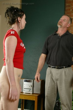 Real Spankings - Brooke's Strapping - image 4