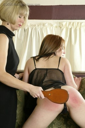 Real Spankings - Faces: Claire - image 5