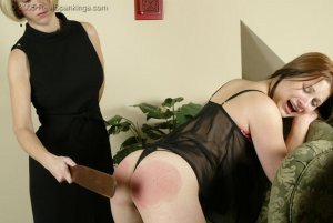 Real Spankings - Faces: Claire - image 1