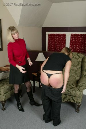 Real Spankings - Cindy's Spanking Session - image 3