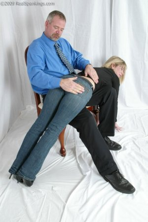 Real Spankings - Confessions: Elizabeth Burns - image 2