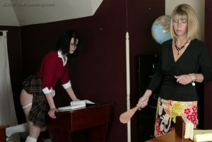 Real Spankings - Kailee's Wake Up Spanking - image 6