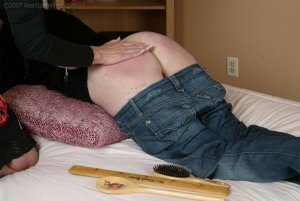 Real Spankings - Faces: Kailee - image 6