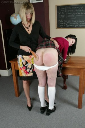 Real Spankings - Kailee's Wake Up Spanking - image 13