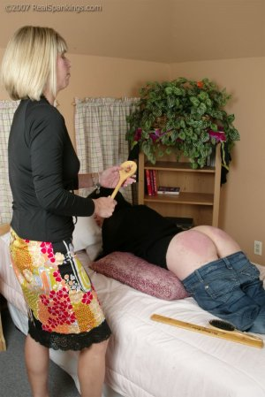 Real Spankings - Faces: Kailee - image 8