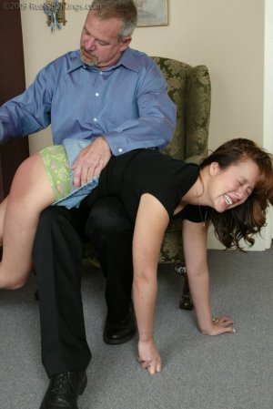 Real Spankings - A Spanking Before Dinner - image 4