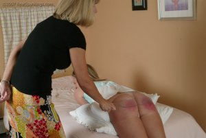 Real Spankings - Riley Is Disciplined In The Bedroom - image 14