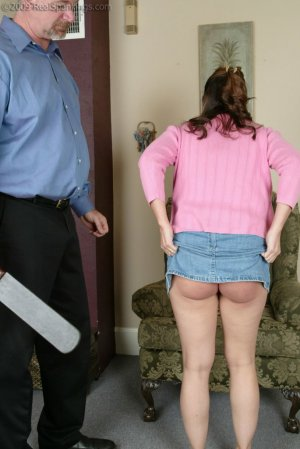 Real Spankings - Cindy's Birthday Spanking - image 3