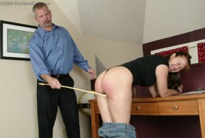Real Spankings - Cindy Forgets An Important Phone Call - image 6