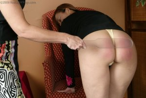 Real Spankings - Cindy And The Lexan Paddle - image 1