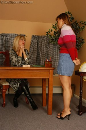Real Spankings - Cindy Is Caught Not Working - image 12