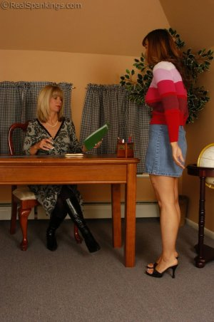 Real Spankings - Cindy Is Caught Not Working - image 17