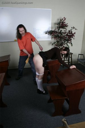 Real Spankings - Extreme School Paddling - image 3