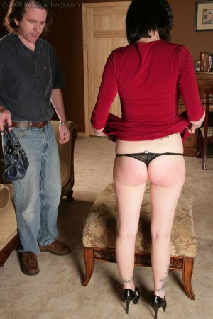 Real Spankings - Chloe: Late For First Date - image 12