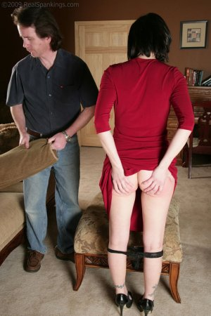 Real Spankings - Chloe: Late For First Date - image 17
