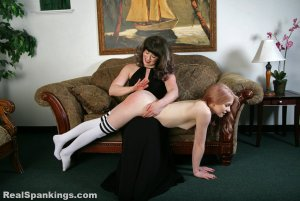 Real Spankings - New Model: Alice - image 9