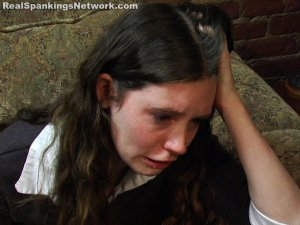 Spanking Bailey - Kailee Gives A Spiteful Spanking - image 4