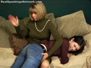 Spanking Bailey - Bailey Deserves A Punishment - image 8