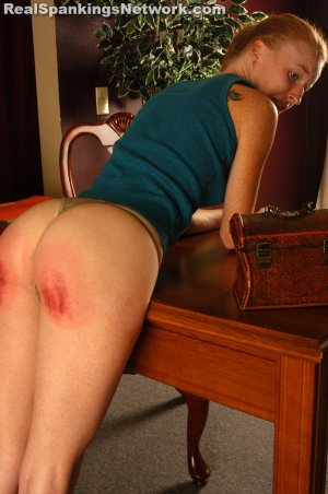 Spanking Teen Jessica - Faces: Jessica - image 7