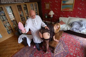 Firm Hand Spanking - The Definitive Guide - C - image 12