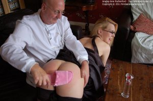 Firm Hand Spanking - The Definitive Guide - C - image 15