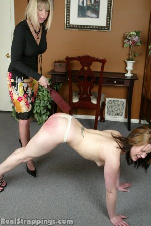 Real Strappings - Claire's Lunge Strapping - image 7