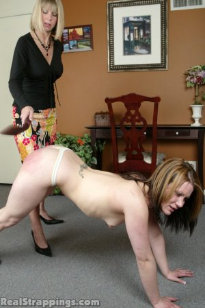 Real Strappings - Claire's Lunge Strapping - image 11