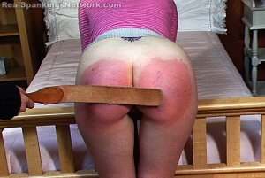 Real Strappings - Kelly: On-all-fours - image 3