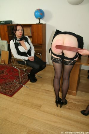 Northern Spanking - The Drugs Don't Work - Full - image 7