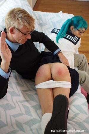 Northern Spanking - Dorothy, The Magical Girl - image 1