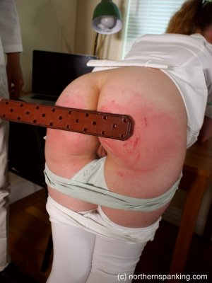 Northern Spanking - The Dedication Of The On-call Nurse - image 7