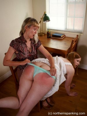 Northern Spanking - Out Late - image 4