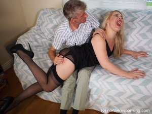 Northern Spanking - Haircut For Darius - image 5