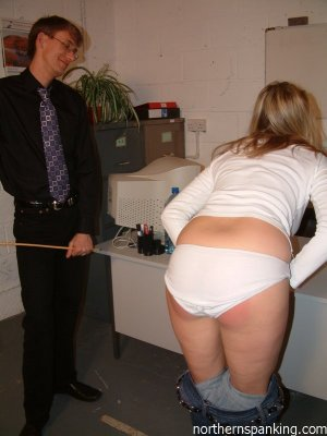 Northern Spanking - Andi's Lunch Appointment - image 15