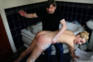 Northern Spanking - Amelia Jane! Get Out That Bath! - image 14