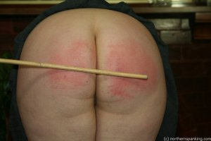 Northern Spanking - Bottom Of The Class - image 2
