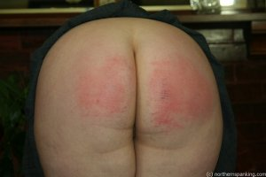 Northern Spanking - Bottom Of The Class - image 4