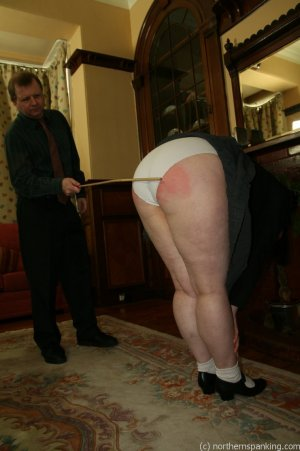 Northern Spanking - Bottom Of The Class - image 5