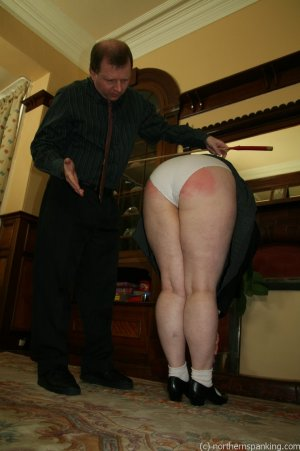 Northern Spanking - Bottom Of The Class - image 10