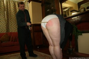 Northern Spanking - Bottom Of The Class - image 15